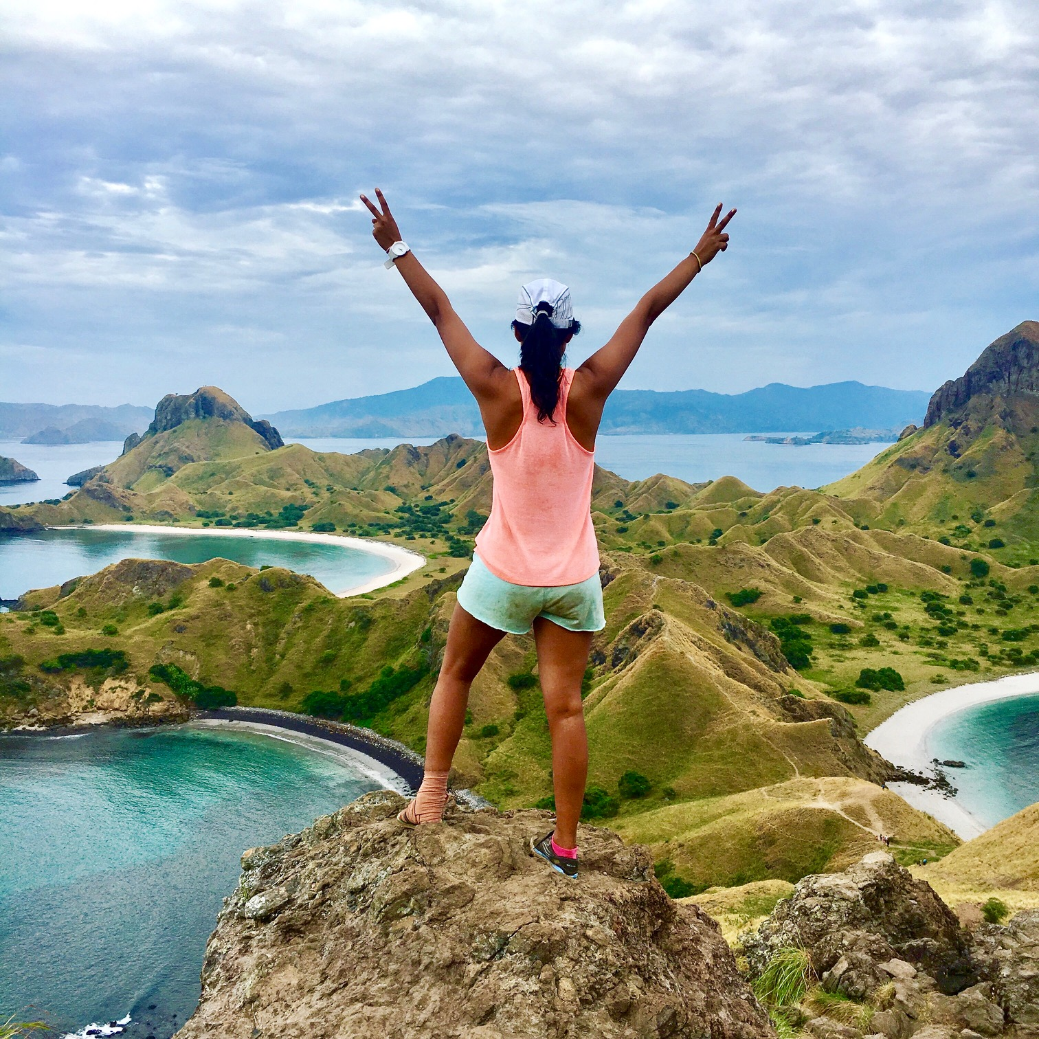 Padar_Island_Komodo_Dragon_National_Park_Labuan_Bajo_Flores_Bali_Indonesia_Hiking_TheSassyPilgrim_Solo_Trip_DIY_guide_Female_Indian_Traveller