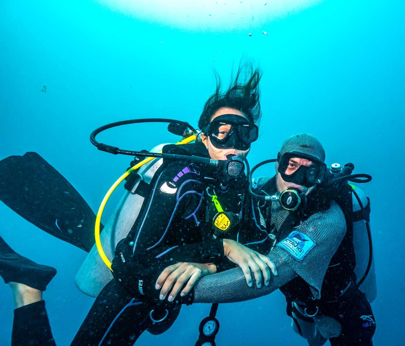 Scuba_Diving_With_Bull_Sharks_In_Playa_Del_Carmen_Mexico_Qintana_Roo_Yucatan_Peninsula_Riviera_Maya_Cozumel_Blog_The_Sassy_Pilgrim_Indian_Solo_Traveler_Girl_Scuba_Diver_Inia_Travel_Blogger_