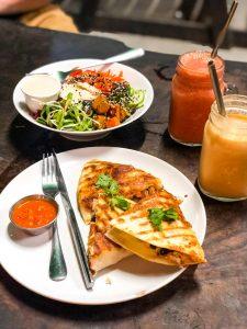 Koh_Tao_Thailand_Surat_Thani_Travel_Blog_Asia_Island_Hopping_Indian_Blogger_Hiking_Beach_Sailing_Scuba_Diving_Adventure_Exploring_Vegan_vegetarian_Cafe_Food_Guide